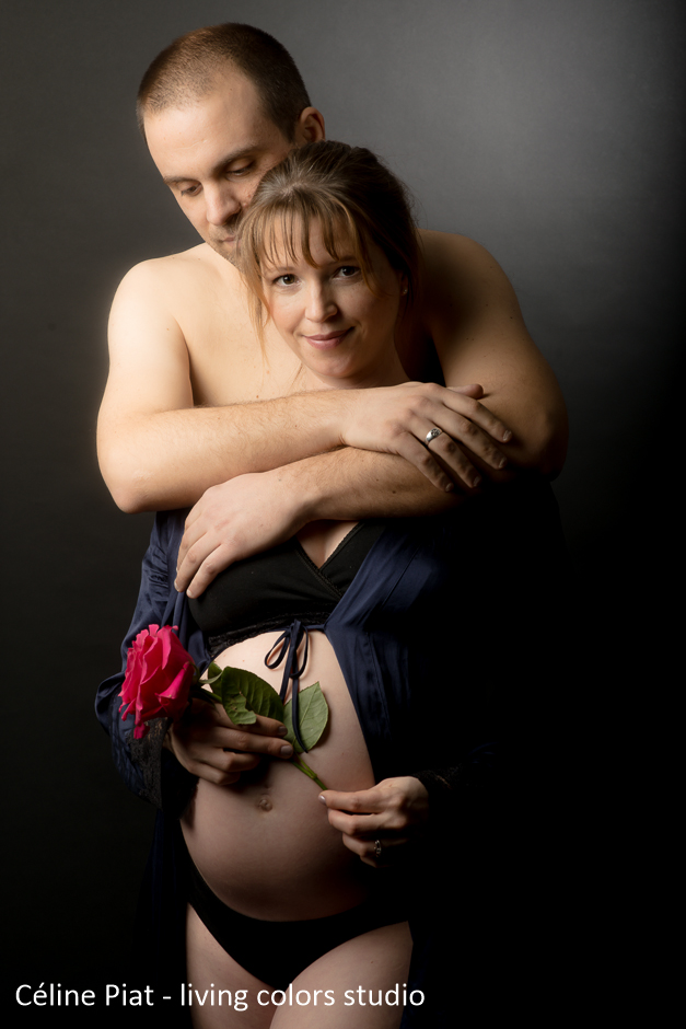 photographe de grossesse à nantes, séance grossesse studio