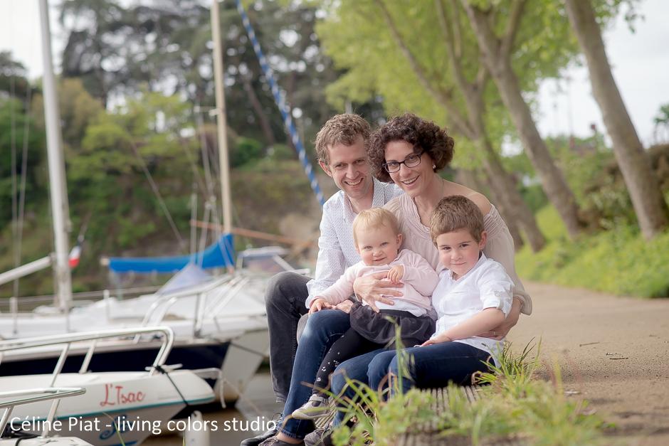 portraits de famille à nantes, portraits de famille en extérieur, séance photo famille, shooting famille, photographe famille nantes, céline piat photographe, living colors studio